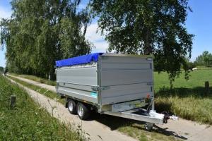 Twintrailer mit Option Aufsatzwände und Flachplane