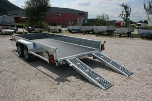 AKTIONSANHÄNGER Magnum Maxx 350 Baumaschinenanhänger mit verstellbaren Schienen